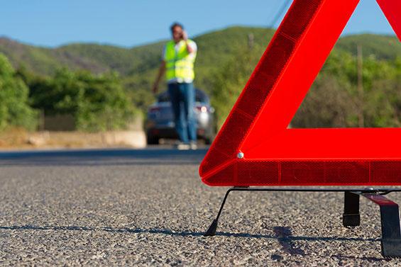 Triangle de signalisation et gilet de sécurité routière